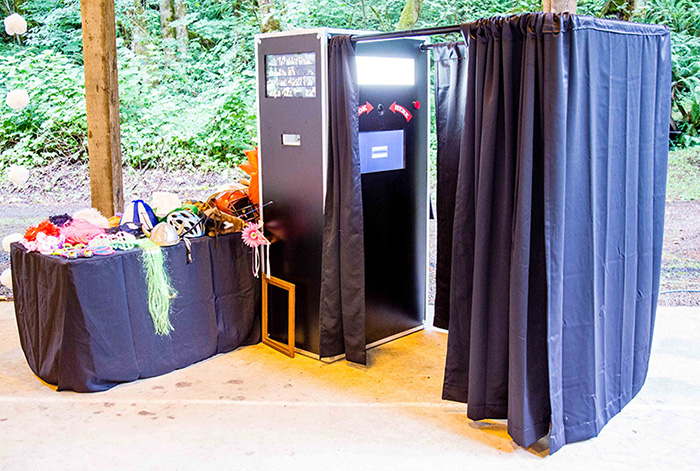 New Photo Booth with Live Slideshow and Lots of Props